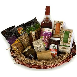 Deluxe Naturals Basket - Gourmet-Gift-Baskets on www.israelflorist.com