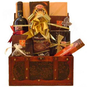 European Delicacies Gift Set - Wine-and-Champagne on www.israelflorist.com